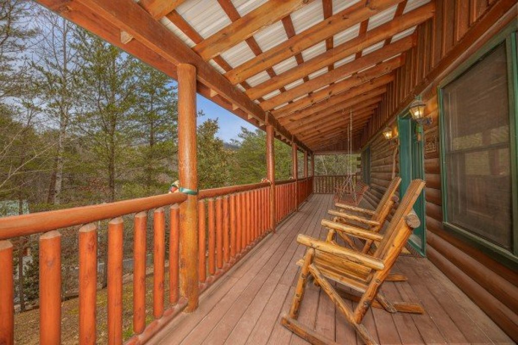 Photo of a Pigeon Forge Cabin named Pigeon Forge Pleasures - This is the twenty-first photo in the set.