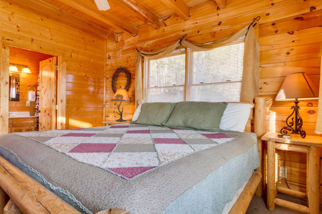 Photo of a Sevierville Cabin named 50 Mile View - This is the twentieth photo in the set.