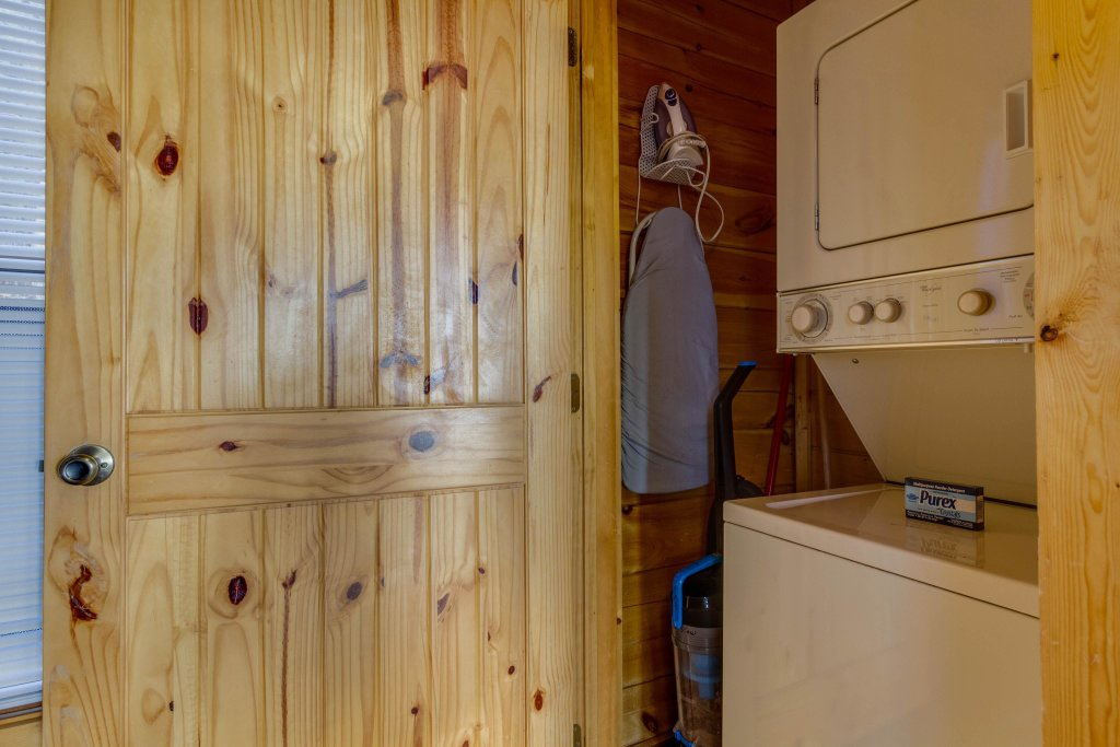 Photo of a Sevierville Cabin named 50 Mile View - This is the twenty-ninth photo in the set.