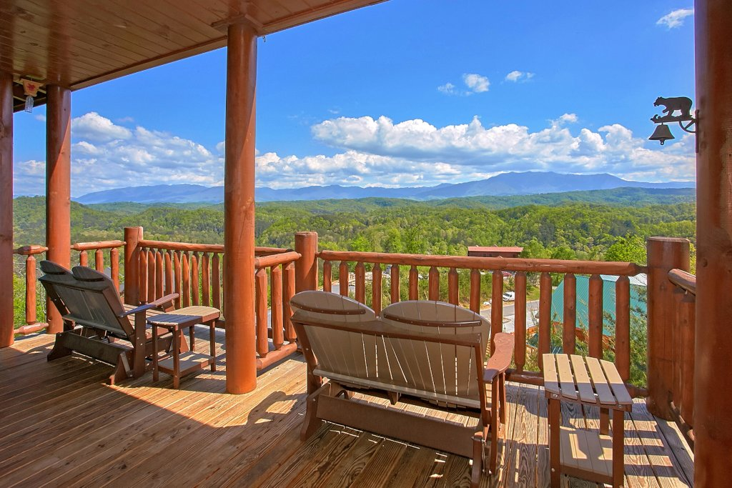 Photo of a Pigeon Forge Cabin named Awesome View Lodge - This is the forty-first photo in the set.