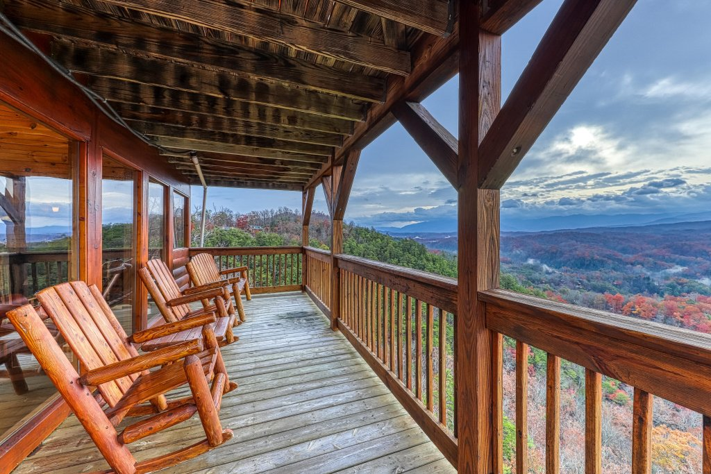 Photo of a Pigeon Forge Cabin named Amidst The Beauty - This is the twenty-seventh photo in the set.