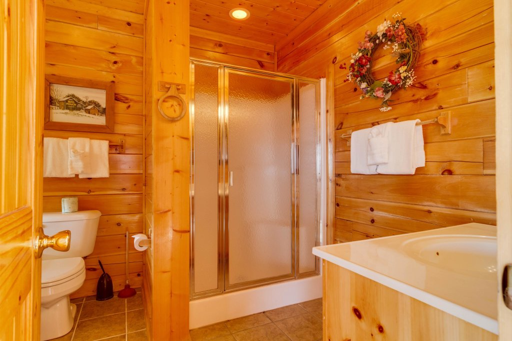 Photo of a Sevierville Cabin named 50 Mile View - This is the twenty-eighth photo in the set.