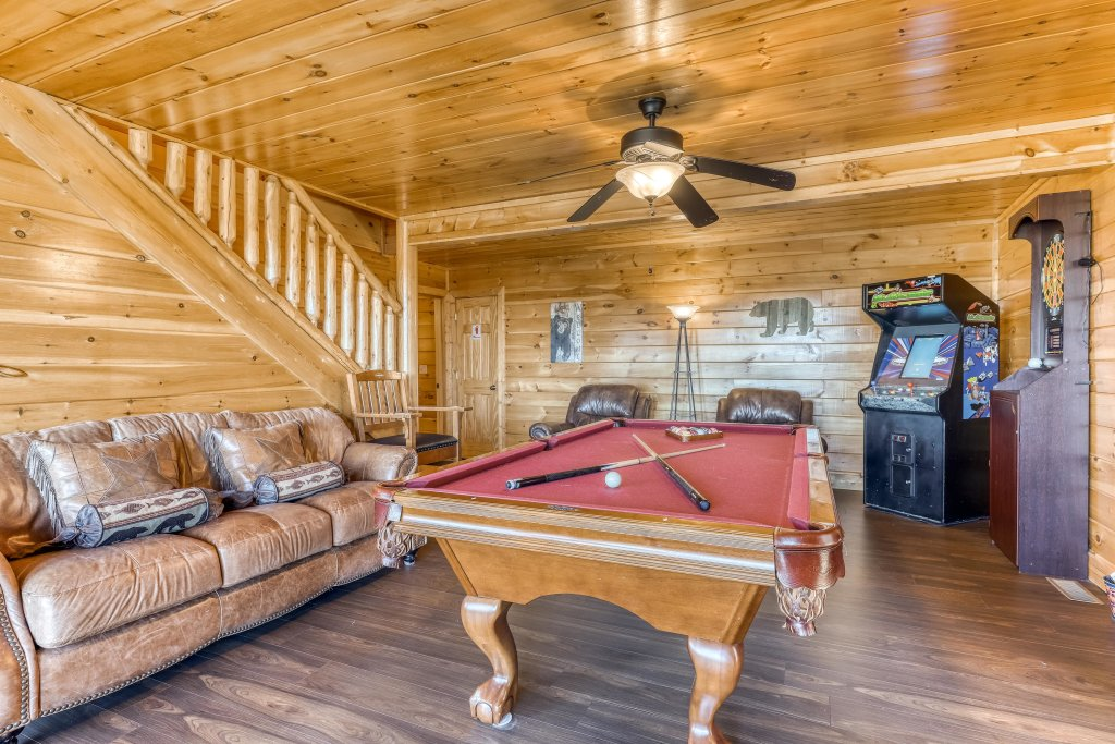 Photo of a Sevierville Cabin named Bear Crossing Retreat - This is the ninth photo in the set.