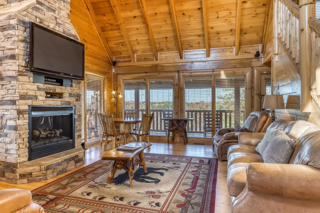 Photo of a Sevierville Cabin named Bear Crossing Retreat - This is the second photo in the set.
