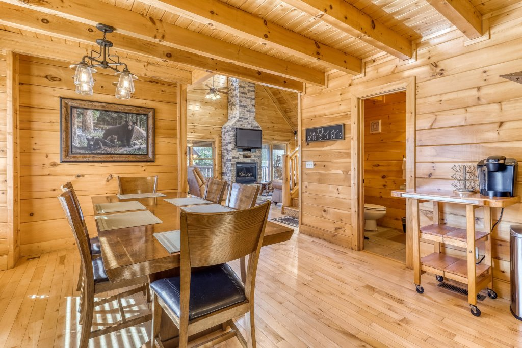 Photo of a Sevierville Cabin named Bear Crossing Retreat - This is the twelfth photo in the set.