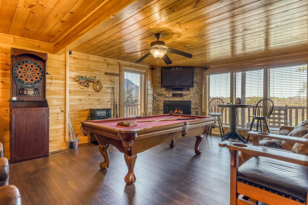 Photo of a Sevierville Cabin named Bear Crossing Retreat - This is the third photo in the set.