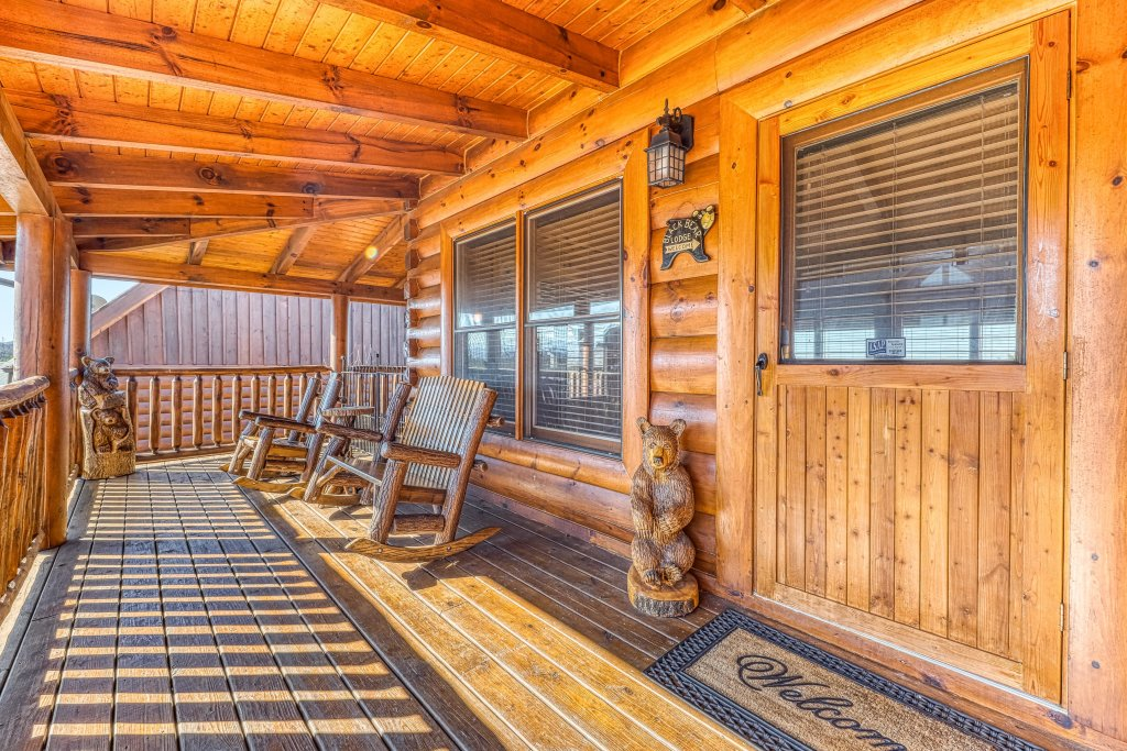 Photo of a Sevierville Cabin named Bear Crossing Retreat - This is the thirty-ninth photo in the set.