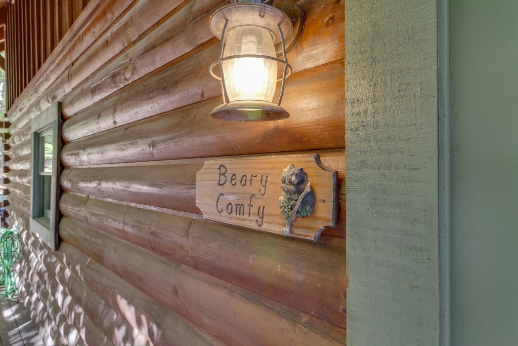 Photo of a Pigeon Forge Cabin named Beary Comfy - This is the thirty-ninth photo in the set.