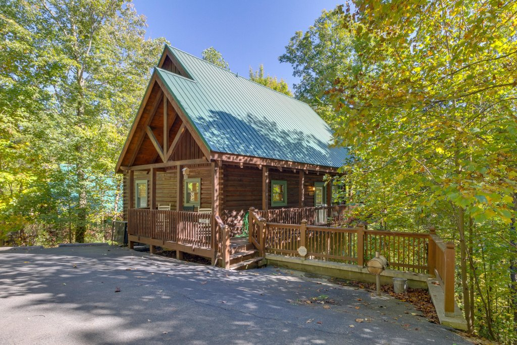 Photo of a Pigeon Forge Cabin named Beary Comfy - This is the forty-fourth photo in the set.