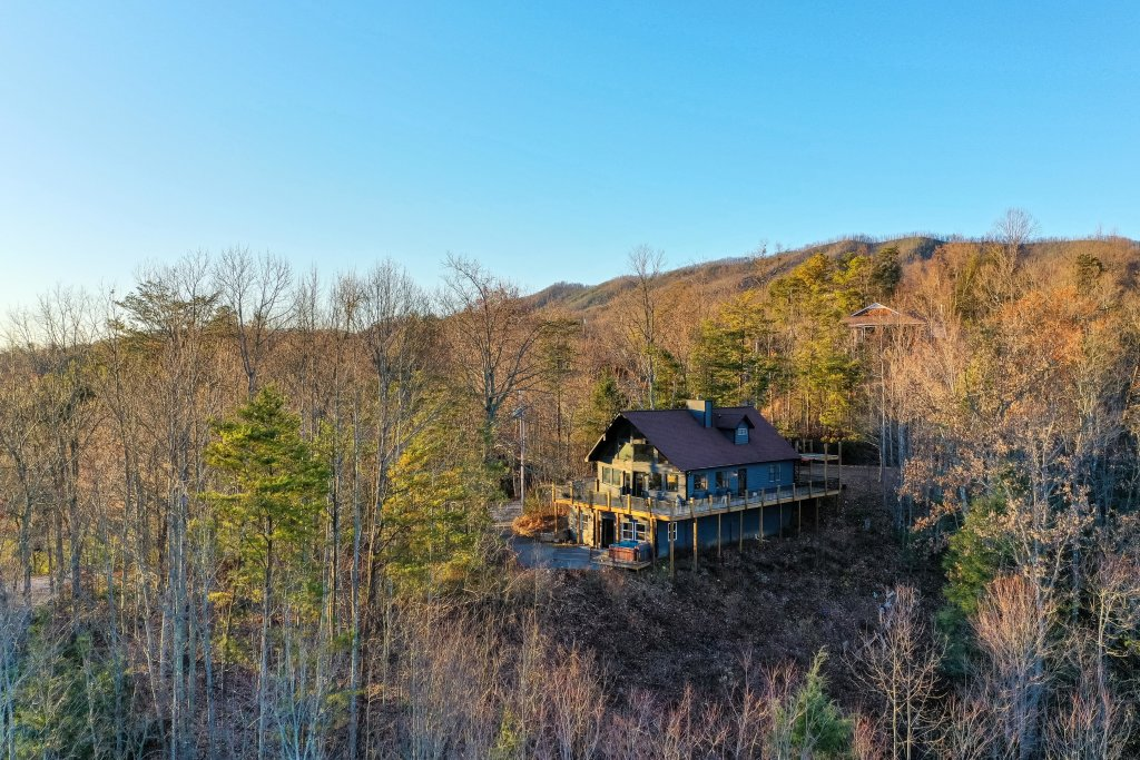 Photo of a Gatlinburg Cabin named King Of The Mountain - This is the first photo in the set.