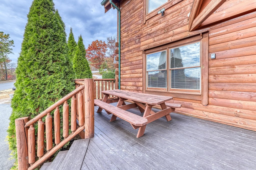 Photo of a Sevierville Cabin named Splish Splash - This is the thirty-third photo in the set.