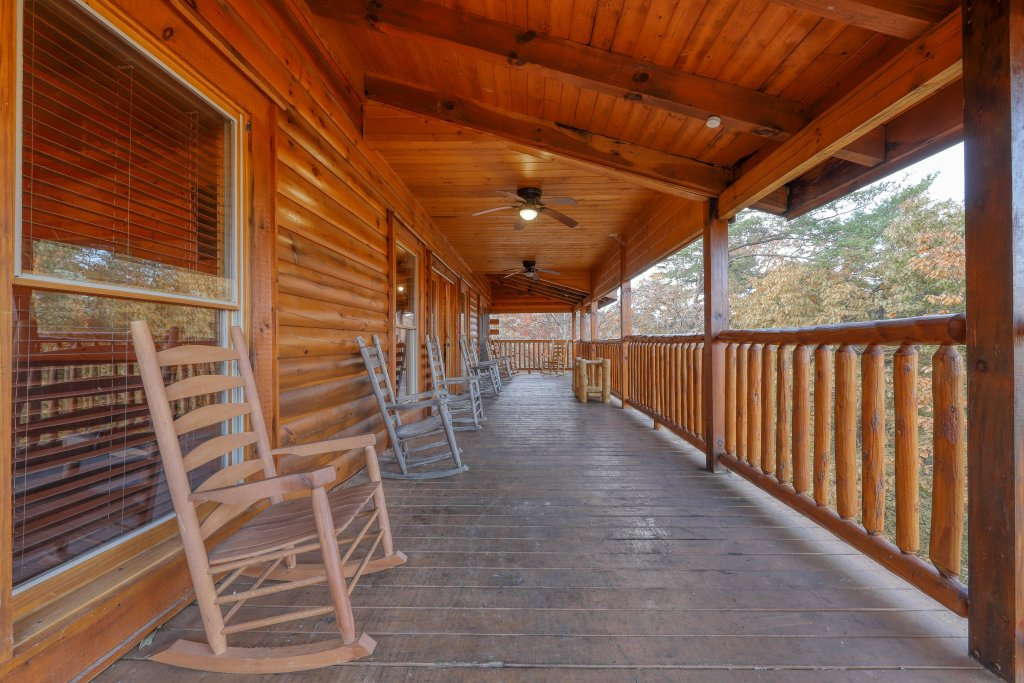 Photo of a Sevierville Cabin named Valhalla Manor - This is the thirty-third photo in the set.