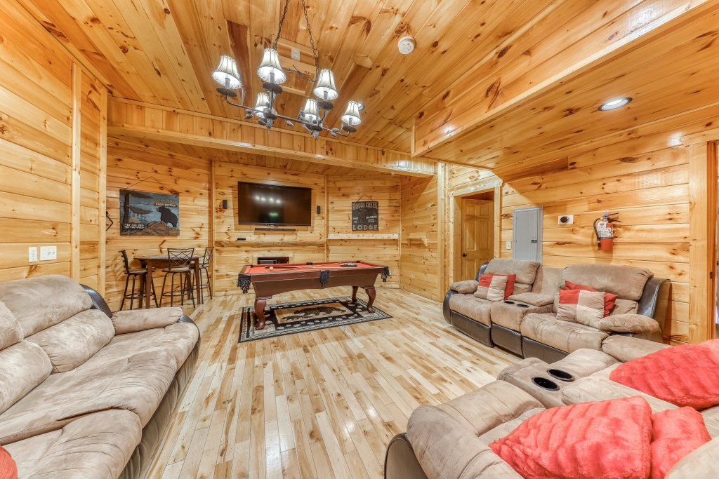 Photo of a Sevierville Cabin named Splish Splash - This is the seventh photo in the set.