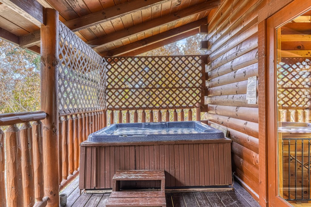 Photo of a Sevierville Cabin named Splish Splash - This is the third photo in the set.
