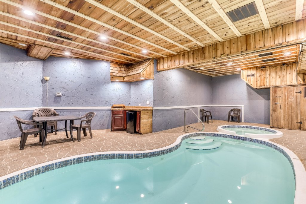 Photo of a Sevierville Cabin named Splish Splash - This is the first photo in the set.