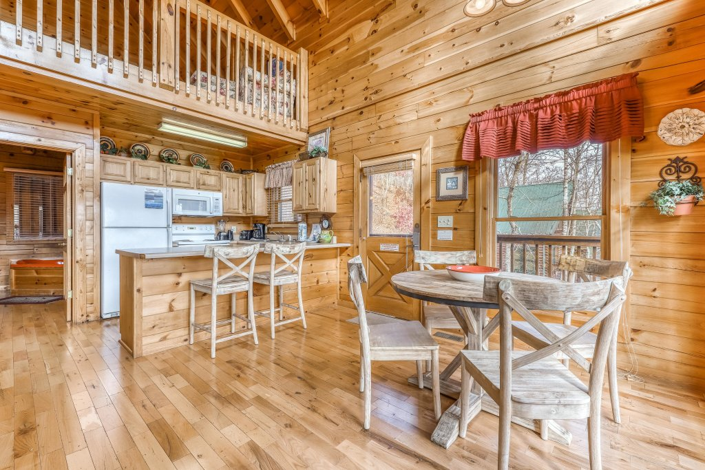 Photo of a Pigeon Forge Cabin named Heavens Scent - This is the eighth photo in the set.