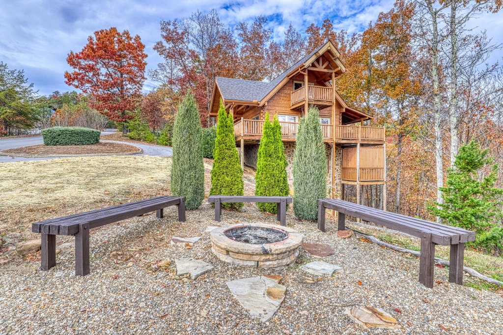 Photo of a Sevierville Cabin named Splish Splash - This is the thirty-fourth photo in the set.