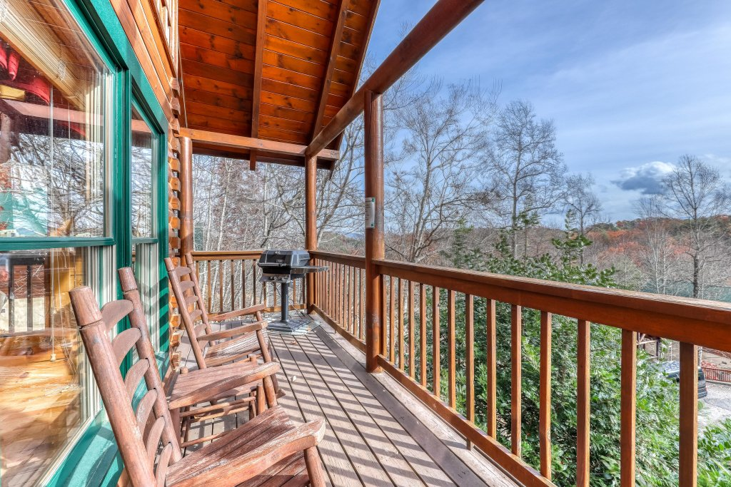 Photo of a Pigeon Forge Cabin named Heavens Scent - This is the first photo in the set.