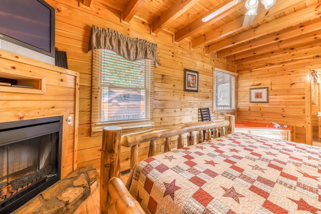 Photo of a Pigeon Forge Cabin named Heavens Scent - This is the fourteenth photo in the set.