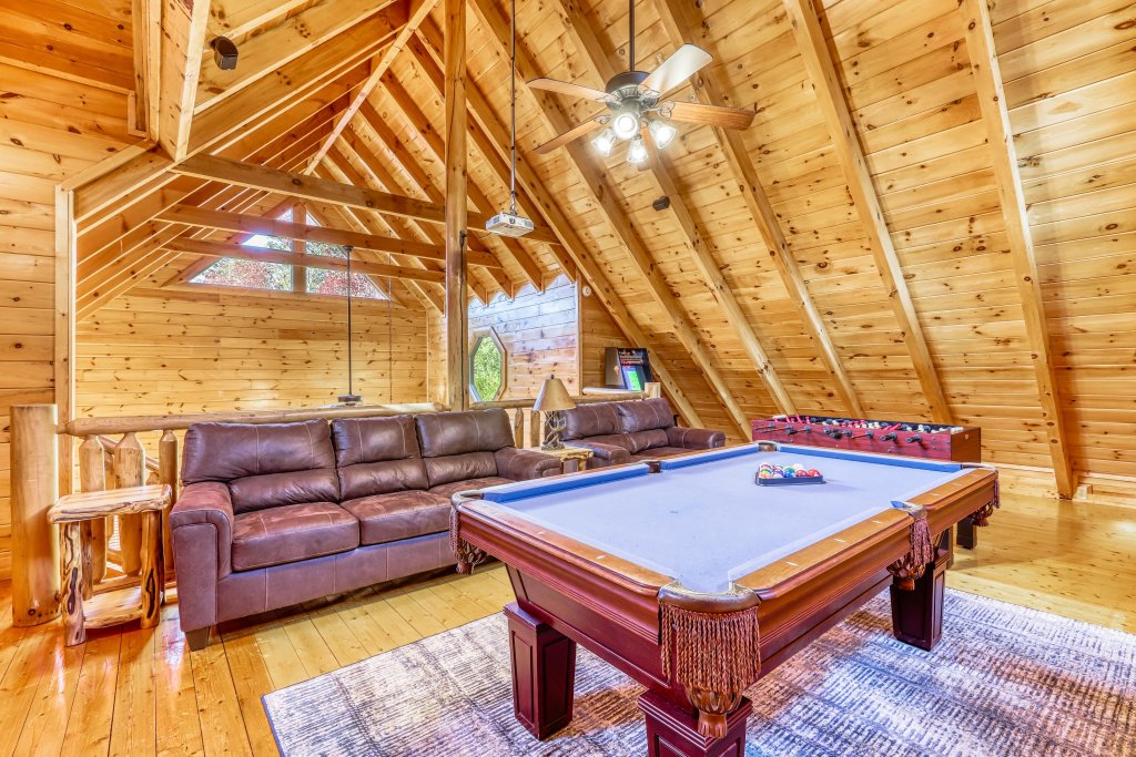 Photo of a Sevierville Cabin named Holiday Haven - This is the seventeenth photo in the set.