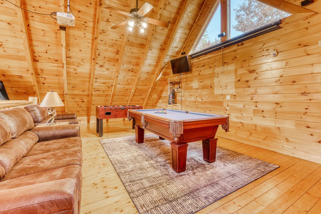 Photo of a Sevierville Cabin named Holiday Haven - This is the eighteenth photo in the set.