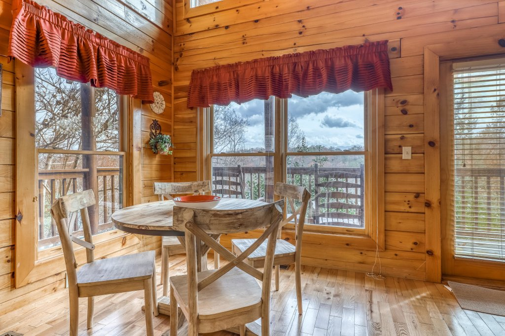 Photo of a Pigeon Forge Cabin named Heavens Scent - This is the ninth photo in the set.