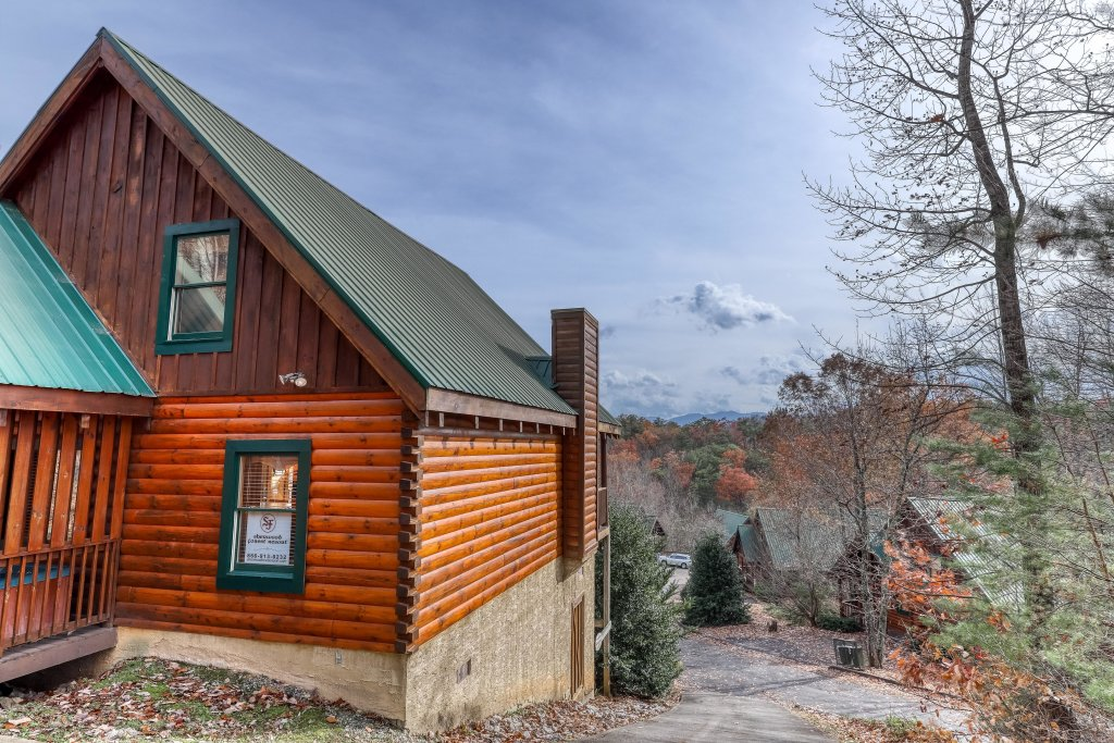 Photo of a Pigeon Forge Cabin named Heavens Scent - This is the third photo in the set.