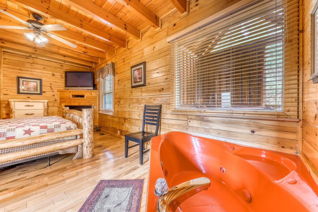 Photo of a Pigeon Forge Cabin named Heavens Scent - This is the fifteenth photo in the set.