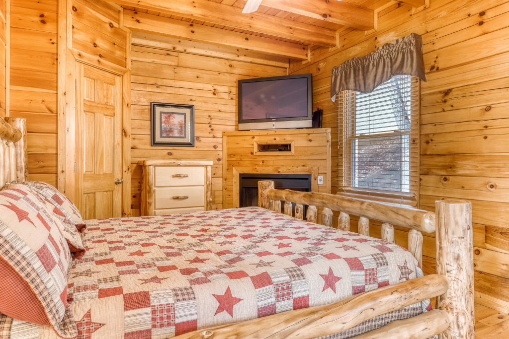 Photo of a Pigeon Forge Cabin named Heavens Scent - This is the sixteenth photo in the set.