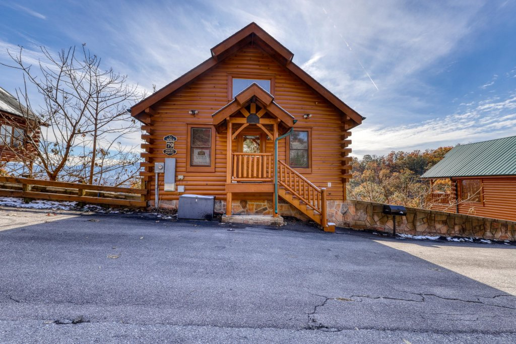 Photo of a Pigeon Forge Cabin named Hillbilly Highrise - This is the twenty-third photo in the set.