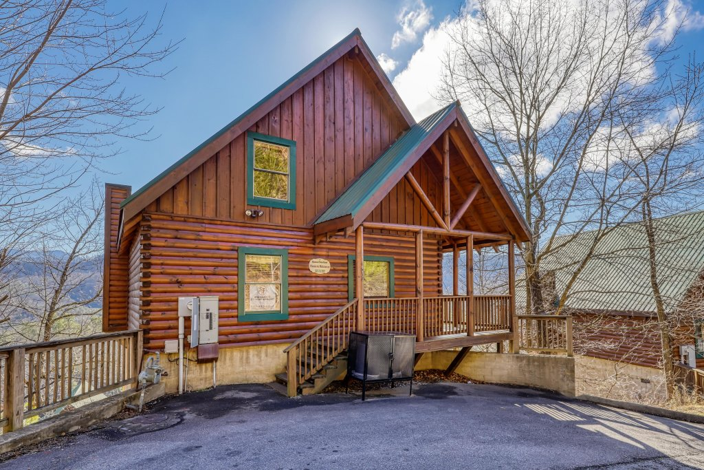 Photo of a Pigeon Forge Cabin named Hunters Hideaway - This is the sixth photo in the set.