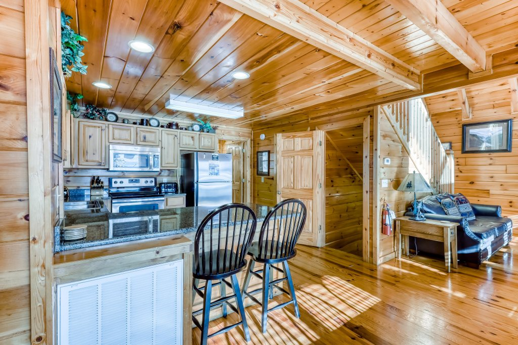 Photo of a Pigeon Forge Cabin named Vista Point - This is the sixth photo in the set.