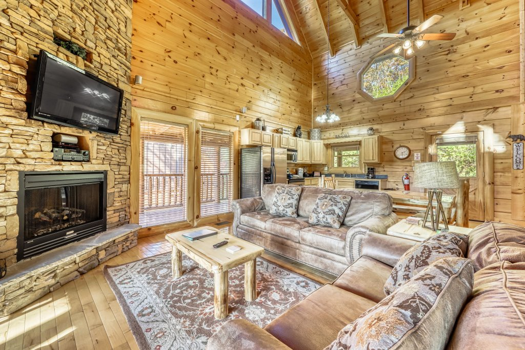 Photo of a Sevierville Cabin named Holiday Haven - This is the first photo in the set.