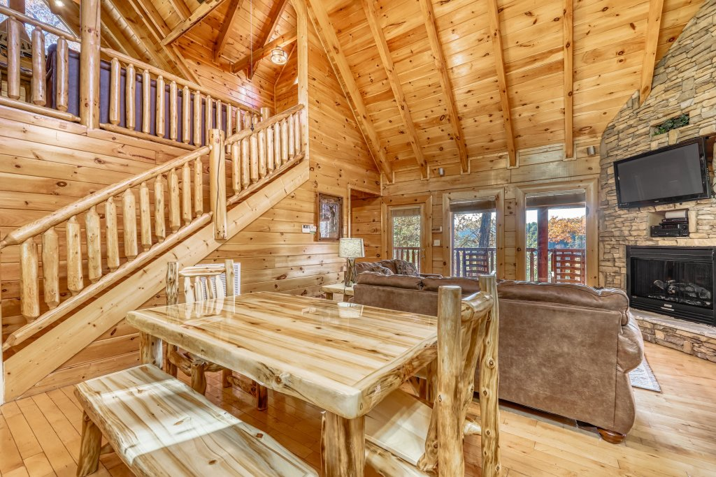 Photo of a Sevierville Cabin named Holiday Haven - This is the eighth photo in the set.