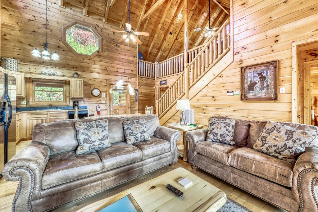 Photo of a Sevierville Cabin named Holiday Haven - This is the sixth photo in the set.