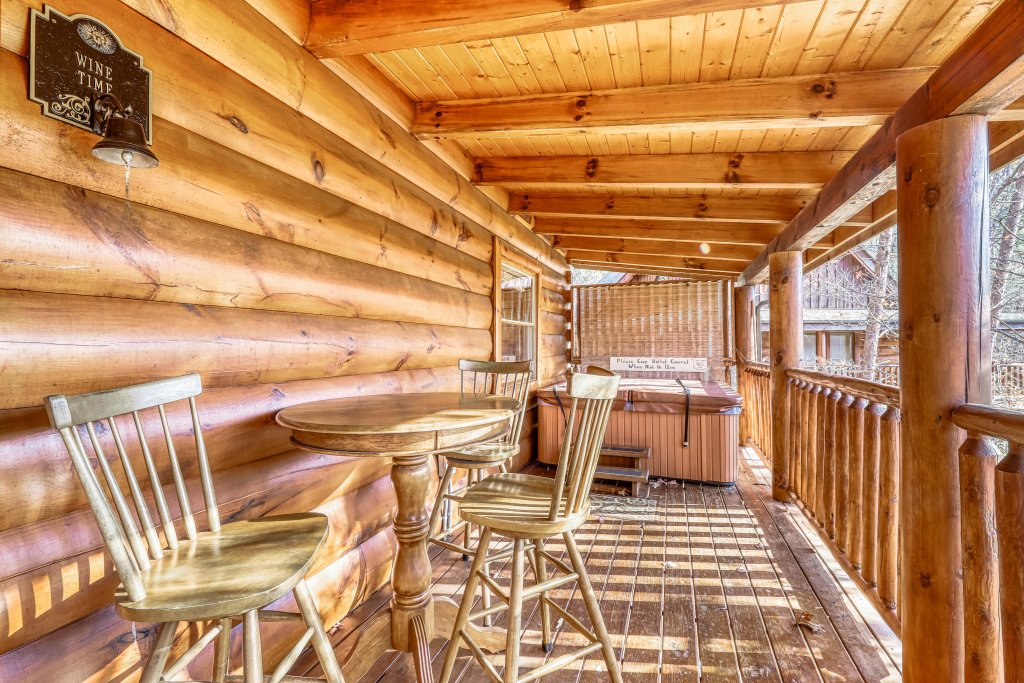 Photo of a Sevierville Cabin named Holiday Haven - This is the twenty-third photo in the set.