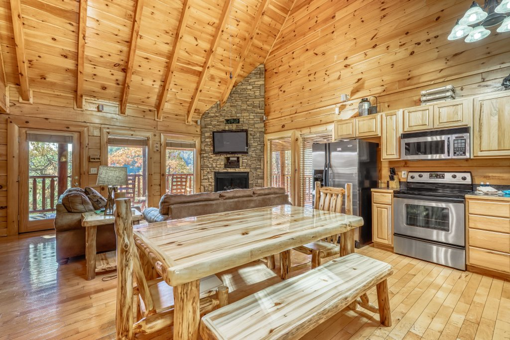 Photo of a Sevierville Cabin named Holiday Haven - This is the sixteenth photo in the set.