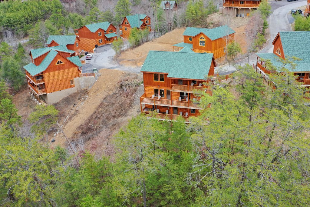 Photo of a Sevierville Cabin named Mountain High Cinema - This is the forty-seventh photo in the set.