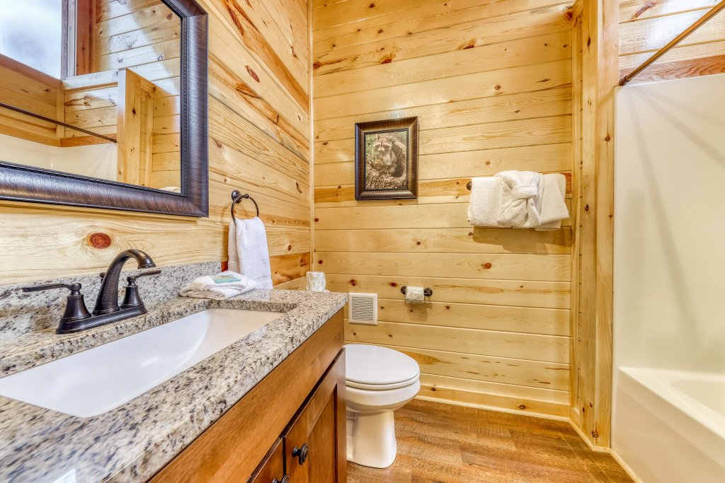 Photo of a Sevierville Cabin named Mountain High Cinema - This is the twenty-first photo in the set.