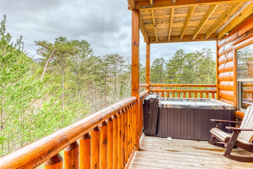 Photo of a Sevierville Cabin named Mountain High Cinema - This is the second photo in the set.