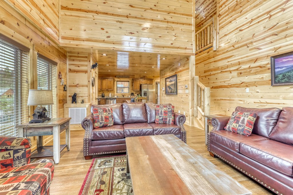 Photo of a Sevierville Cabin named Mountain High Cinema - This is the sixth photo in the set.