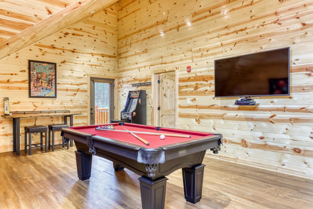 Photo of a Sevierville Cabin named Mountain High Cinema - This is the thirteenth photo in the set.