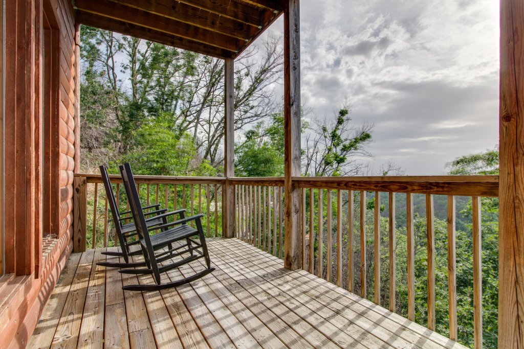 Photo of a Pigeon Forge Cabin named Panoramic Point - This is the thirty-first photo in the set.