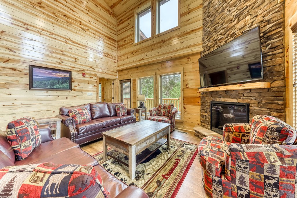 Photo of a Sevierville Cabin named Mountain High Cinema - This is the fifth photo in the set.