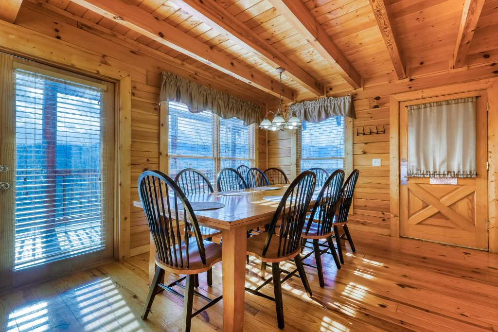 Photo of a Pigeon Forge Cabin named Vista Point - This is the eighth photo in the set.