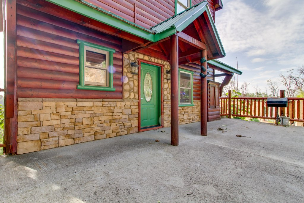 Photo of a Pigeon Forge Cabin named Panoramic Point - This is the thirty-sixth photo in the set.