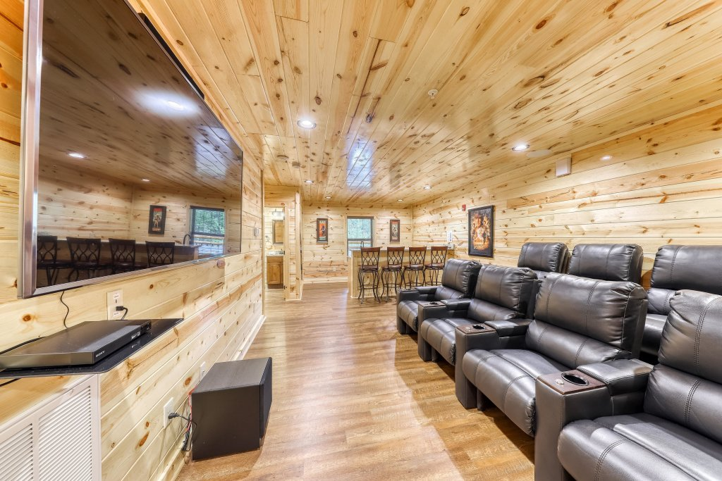 Photo of a Sevierville Cabin named Mountain High Cinema - This is the twelfth photo in the set.
