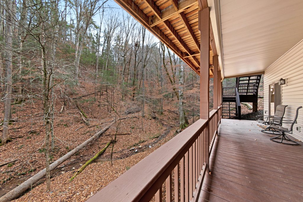 Photo of a Sevierville Cabin named Serenity Hollow - This is the twenty-second photo in the set.