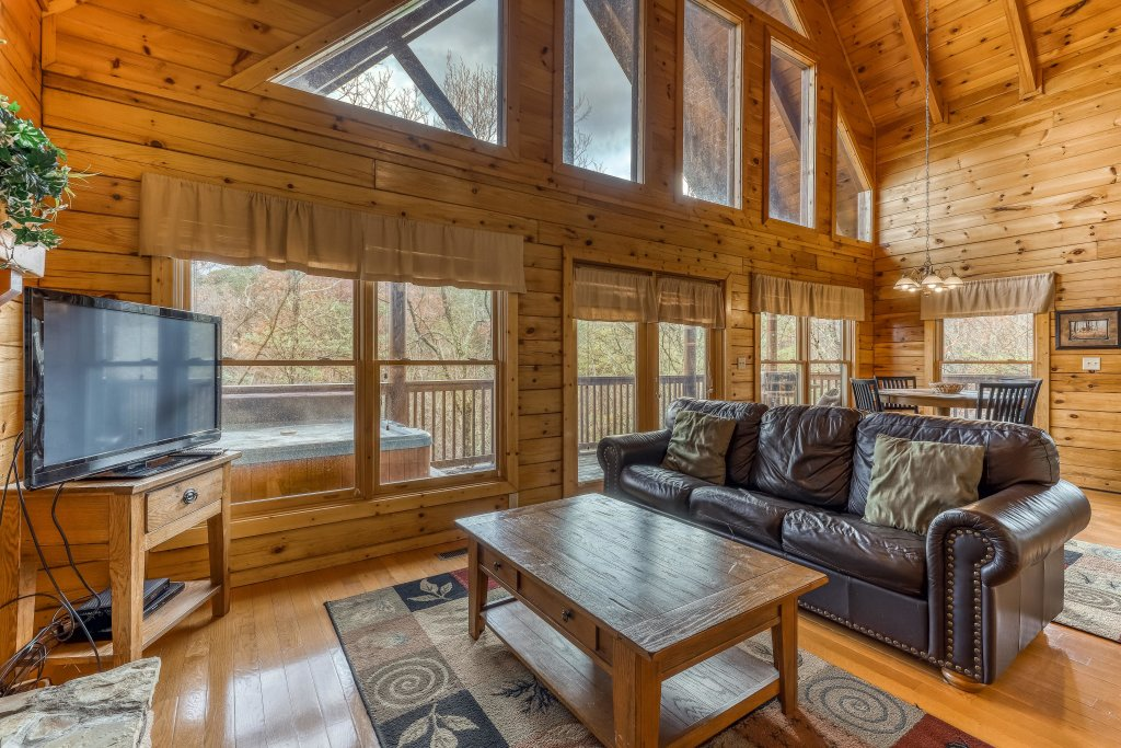Photo of a Pigeon Forge Cabin named Affair Of The Heart - This is the sixth photo in the set.
