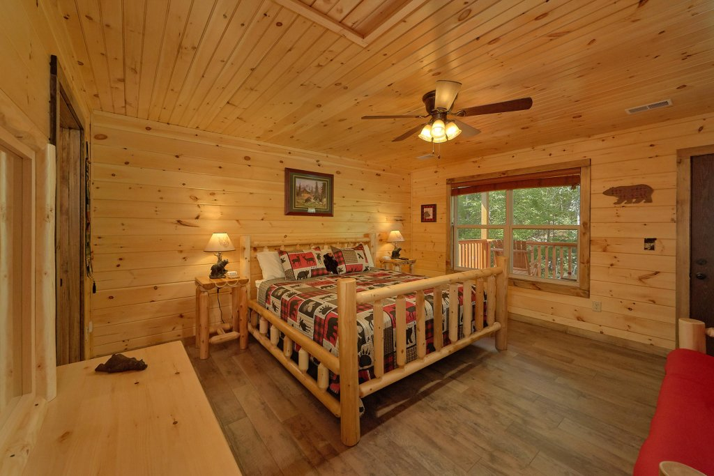 Photo of a Sevierville Cabin named Timber Woods Lodge - This is the thirteenth photo in the set.